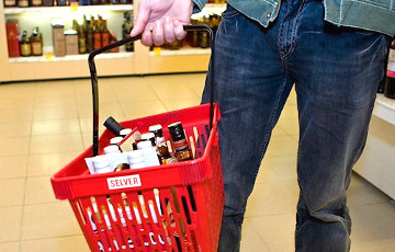 Ограничения на продажу алкоголя отменяют