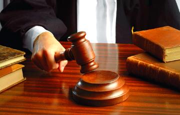 В Турции выдали ордеры на арест 44 высокопоставленных чиновников