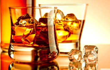 Найден способ, как отличить хороший виски от подделки, не открывая бутылки