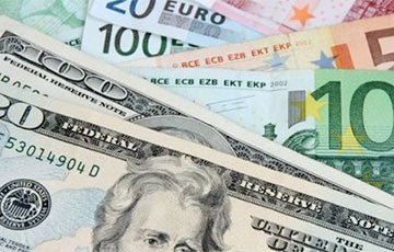 Доллар и евро снова подорожали