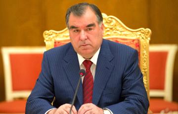 Таджикистан предложил выдавать визы на пять лет за миллион долларов
