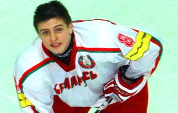 Кулаков и Амброжейчик покинули сборную Беларуси по хоккею