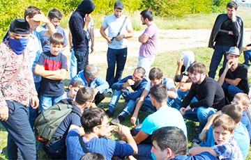 200 беженцев из Чечни устроили в Бресте митинг