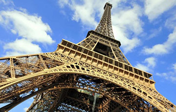 Протесты в Париже: Эйфелеву башню закрыли для туристов
