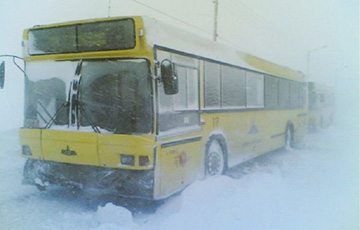 В Брестской области три рейсовых автобуса застряли в снежных заносах