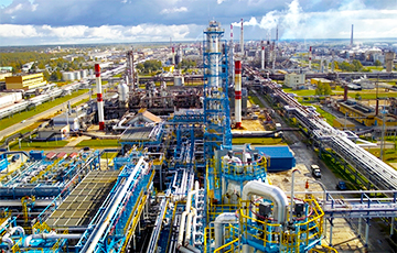 """""""If Russian Federation Gets Belarusian Refineries, It Will Remove All Questions About Oil"""""""
