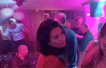 Принц уильям танцует в ночном клубе краснодар ночной клуб меню