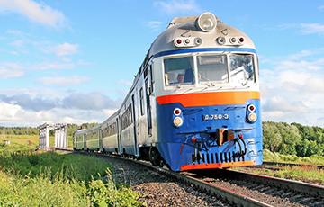 БелЖД отменила 13 поездов