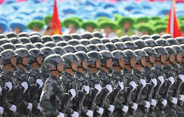 Трамп сообщил о стягивании Китаем войск к Гонконгу