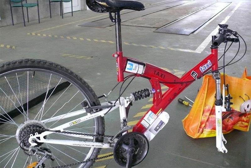 Сигареты в велосипедной шине