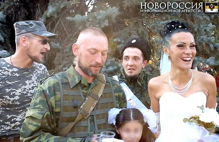 Уничтожен танк противника, террористы понесли существенные потери в живой силе, - Полторак доложил Порошенко о бое вблизи Смелого - Цензор.НЕТ 518