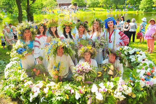 В Москве несколько десятков человек отметили День вышиванки шествием по Арбату - Цензор.НЕТ 8878