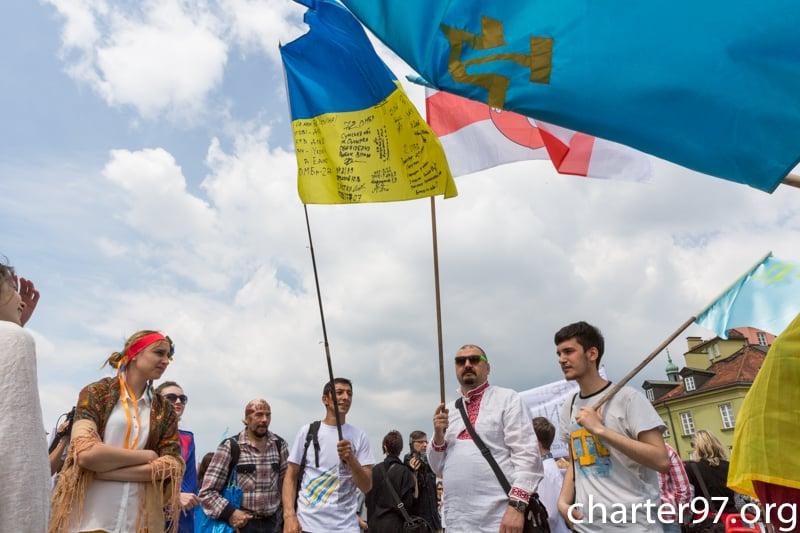 Украинцы провели дефиле вышиванок возле Эйфелевой башни - Цензор.НЕТ 5615
