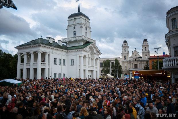 «Знаете, как во Львове»: в Минск вернулся бесплатный джаз у Ратуши