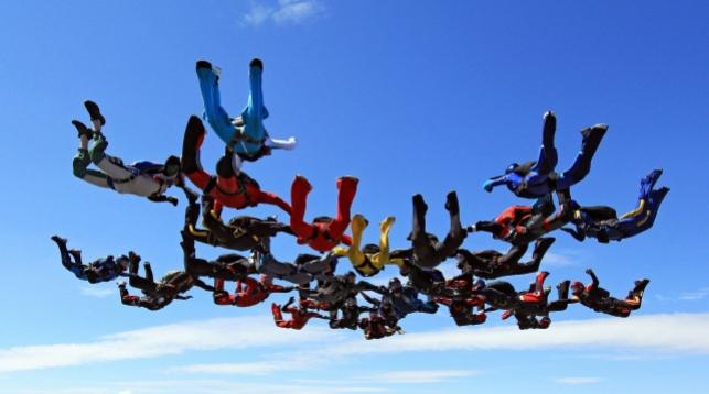 В Беларуси установили новый национальный рекорд в парашютном спорте