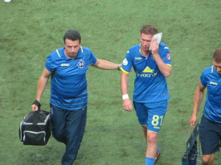 Александр Глеб получил травму в первом тайме матча БАТЭ с «Астаной» и был заменен
