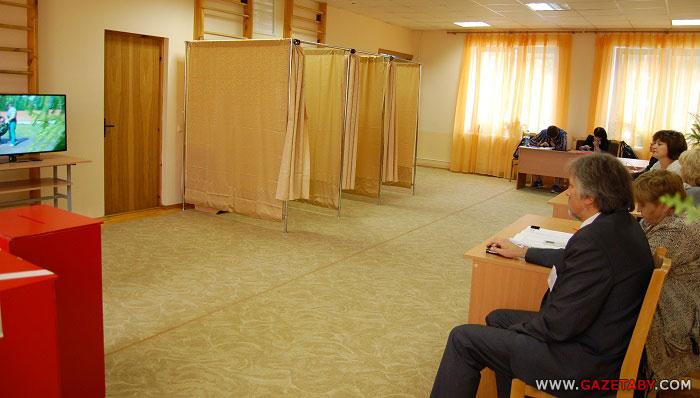 На выборах в Беларуси зафиксированы первые нарушения: вброс бюллетеней и принуждение к голосованию, - СМИ - Цензор.НЕТ 9388