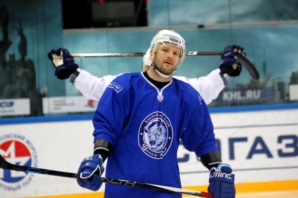 Выездная серия «Динамо» закончилась победой над «Адмиралом»— КХЛ
