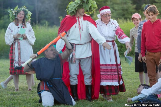 Появился фотоотчет, как белорусы Канады отметили Купалье