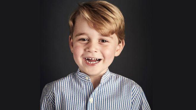 Новый официальный портрет английского принца опубликовали вдень его четырехлетия